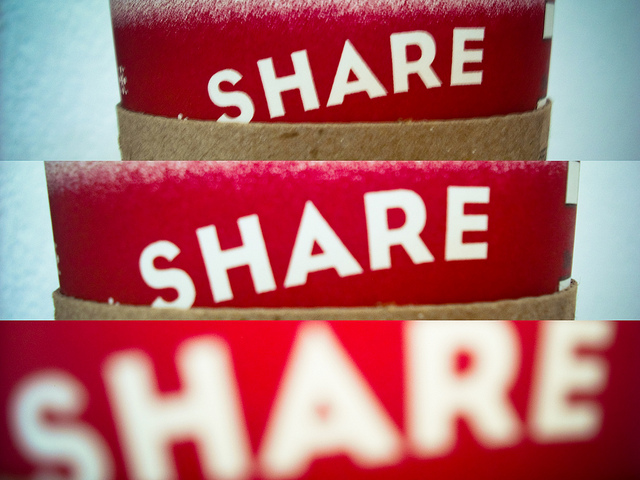 Share. Par Carlos Maya. CC-BY. Source : Flickr